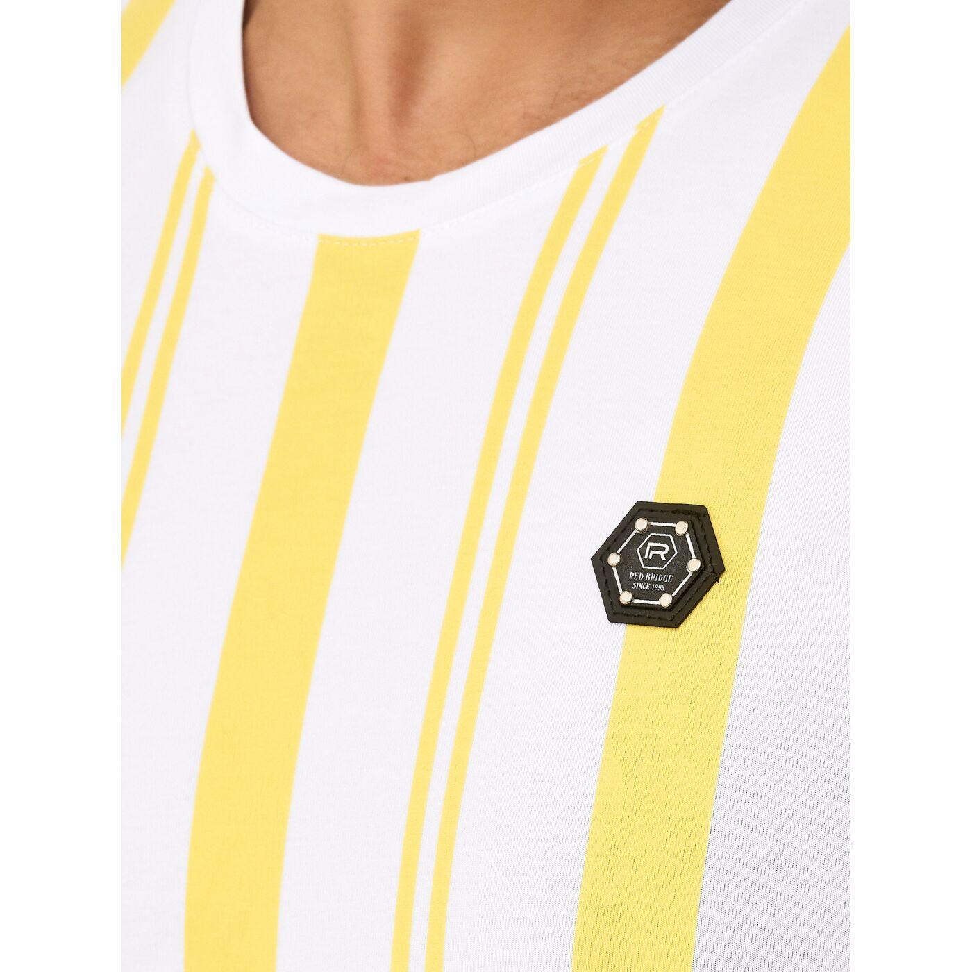 T Shirt mit Druck SECURITY in weißer Schrift